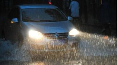 下雨天开车注意事项